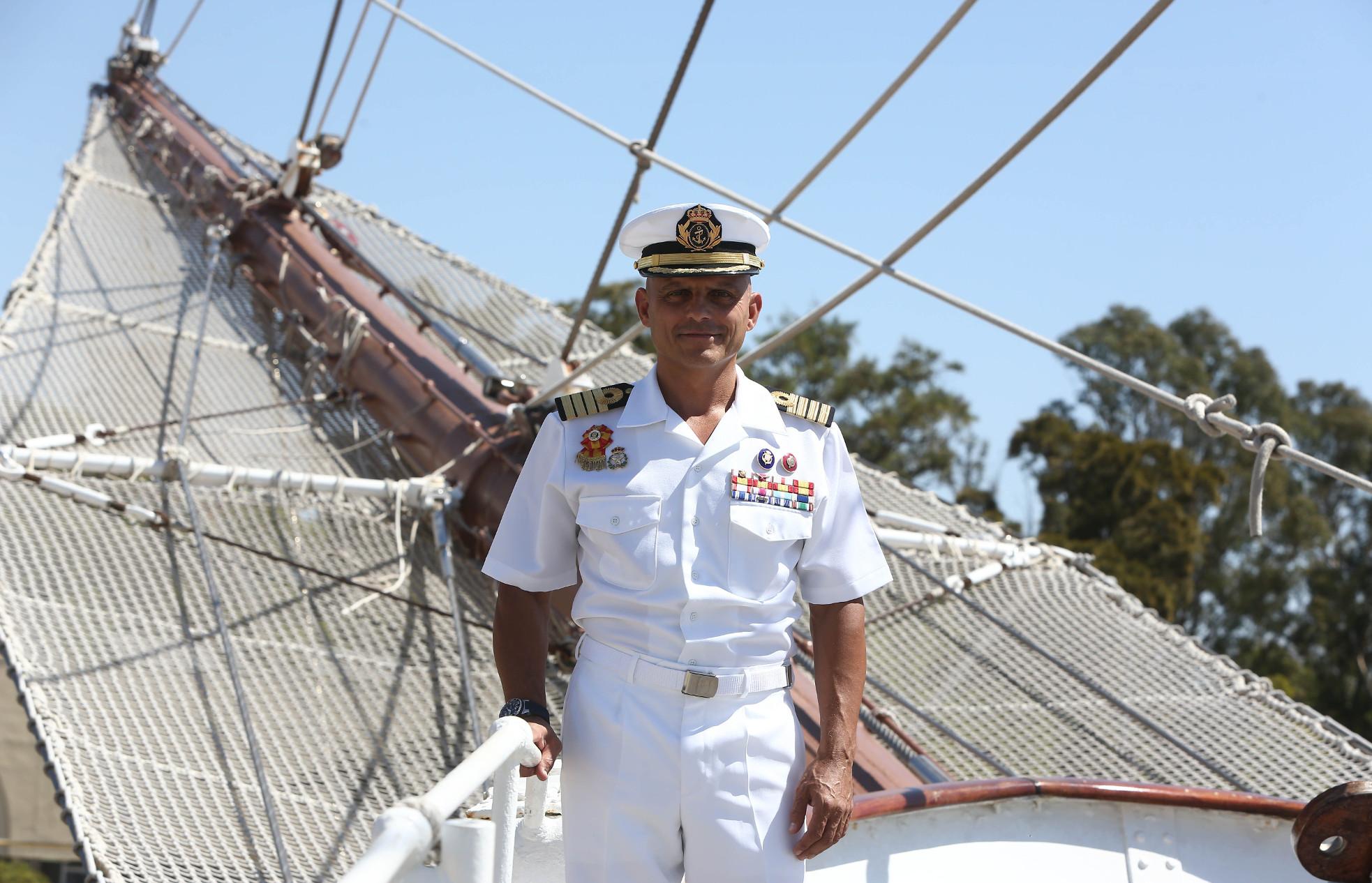 Capitan de navío Ignacio Paz García comandante del Juan Sebastian de el Cano. Foto: Antonio Vázquez