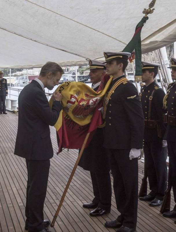 Jura de bandera en Elcano