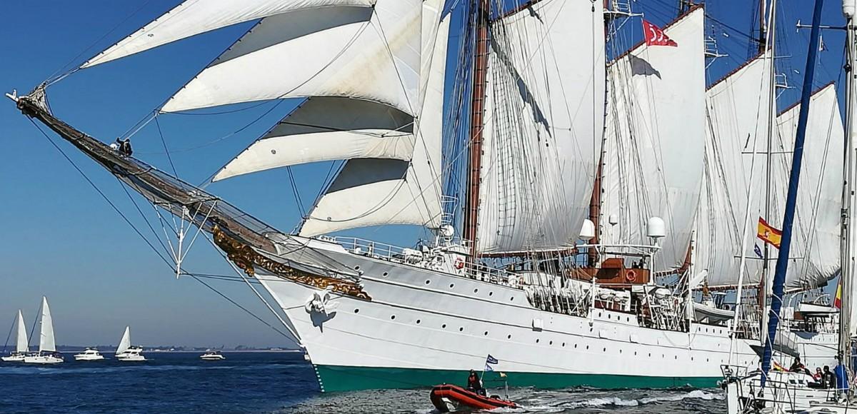 El buque Juan Sebastián de Elcano