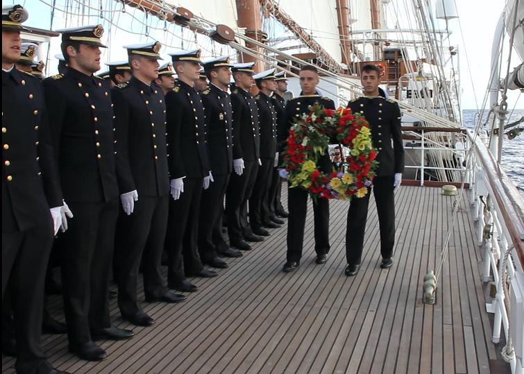 El homenaje del Elcano al ARA San Juan que se ha hecho viral