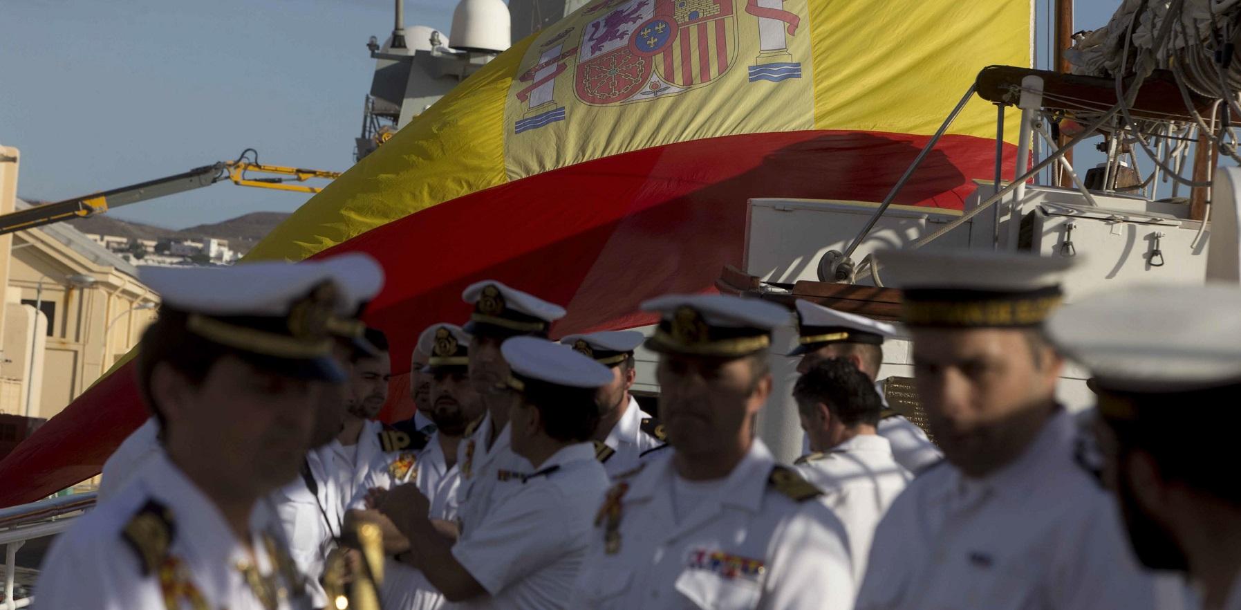 El Juan Sebastián de Elcano exhibe su historia en Montevideo