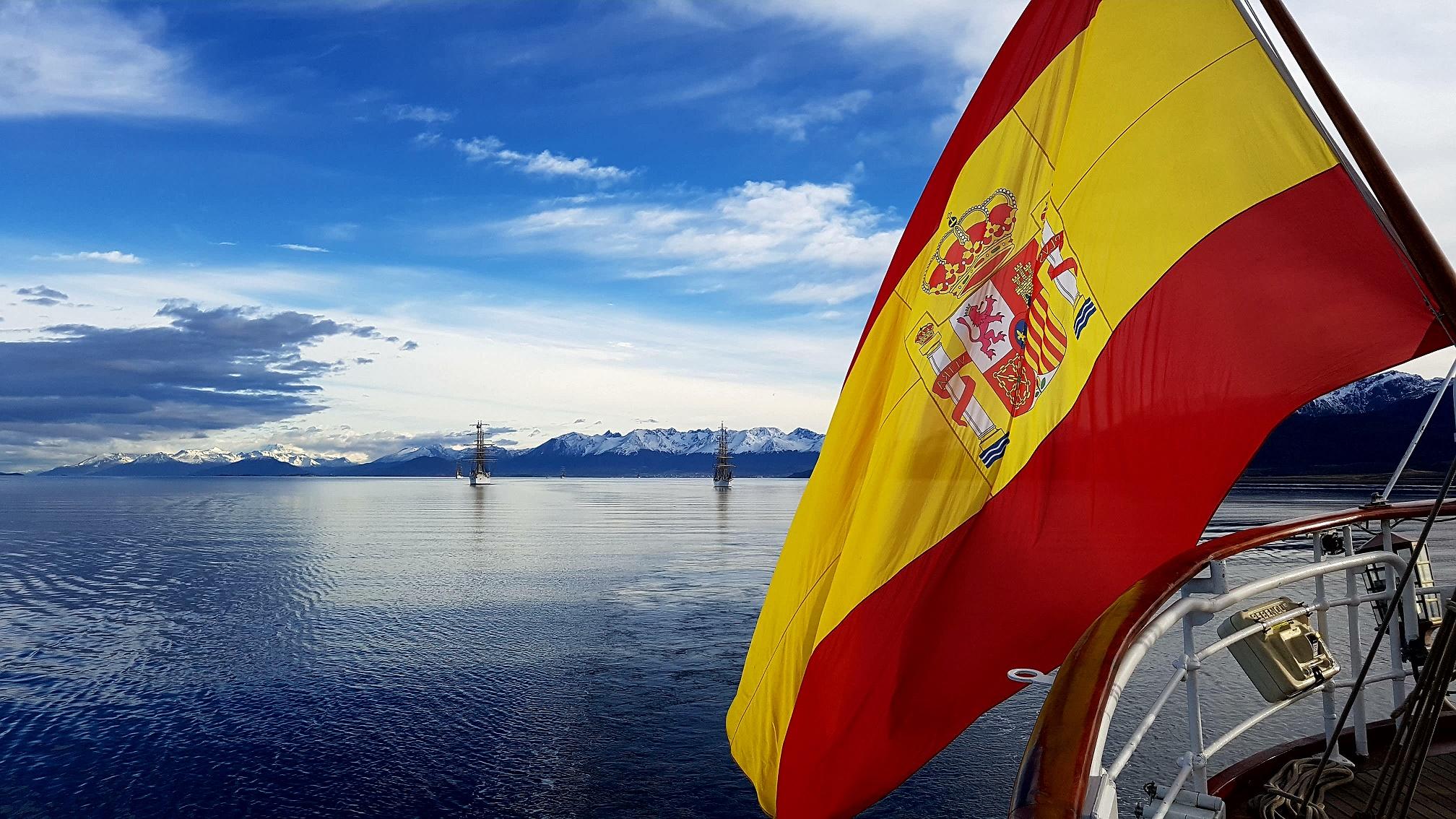 El Juan Sebastián de Elcano en el fin del mundo