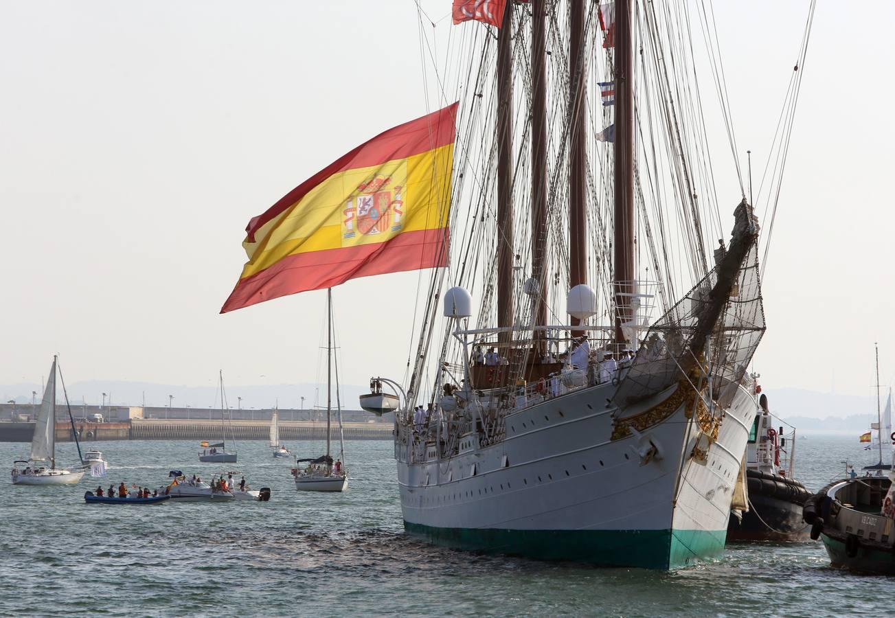 Llegada del Juan Sebastián de Elcano de su 90 crucero de instrucción. Foto: Antonio Vázquez