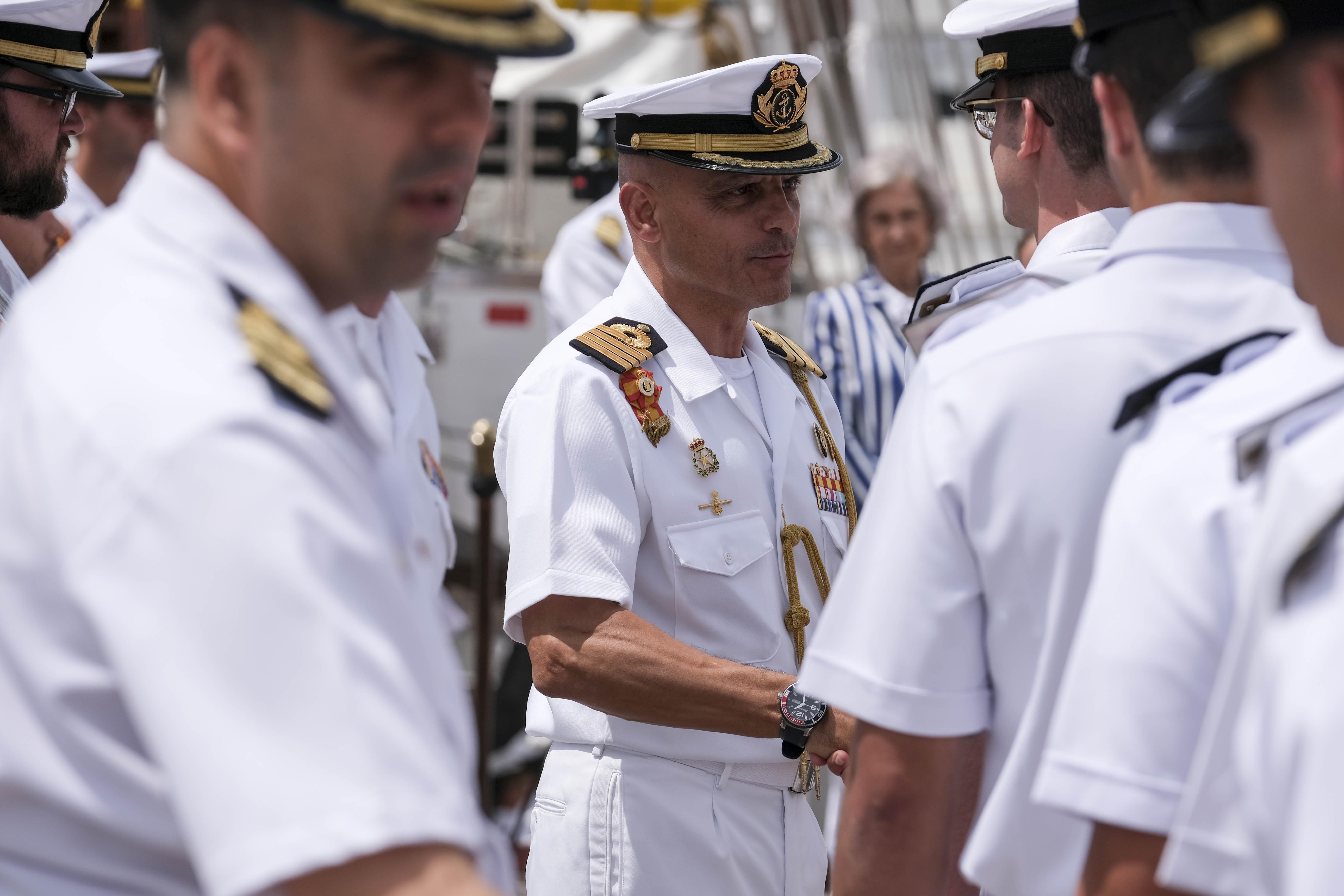 «El Juan Sebastián de Elcano tiene un imán especial»